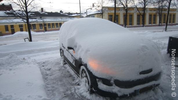 Oli lunta kasaantunut bilikan päälle