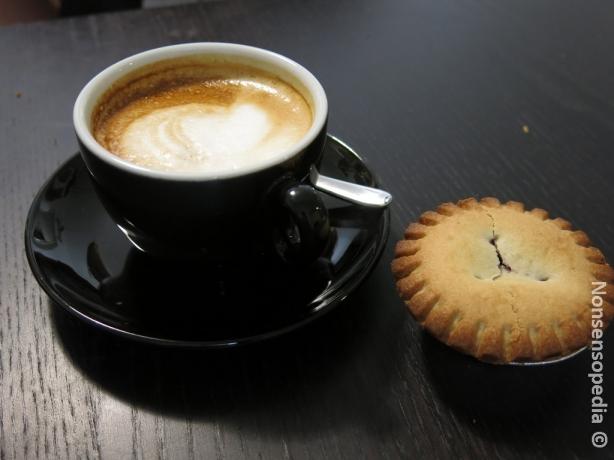 cappuccino ja kuningatarpiirakka