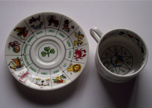 Divination_tea_cup_saucer