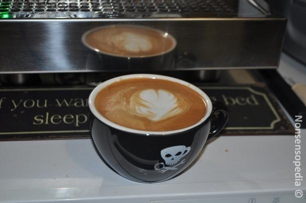 Sit kotona vimosista Porin Paahtimon Italian espressosta latte