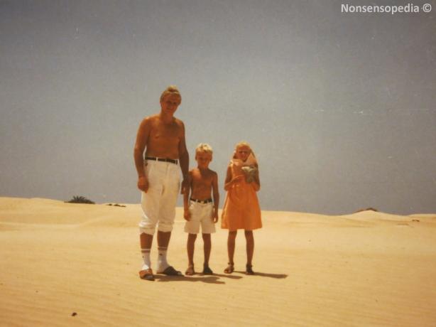 Aavikolla systerin ja faijan kanssa
