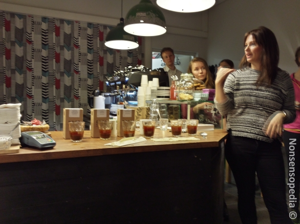 Joanna Alm Drop Coffeesta kertomassa